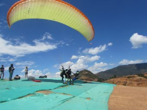050_0017 Colombia - San Gil - Paragliding