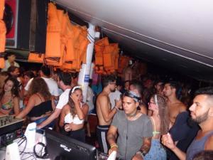 138 0069 Brasil - Buzios - Partyboat