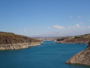165 0156 Argentina - Fahrt nach Mendoza - Dique Agua del Toro
